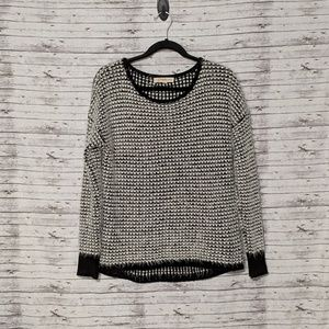 Rewind Women's Sz:M black & white fuzzy sweater